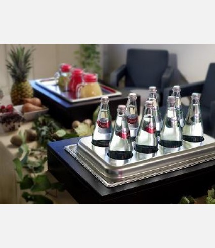 Refrigerated double wall 8 pieces bottles holder